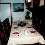 Eettafel in living onderdeks