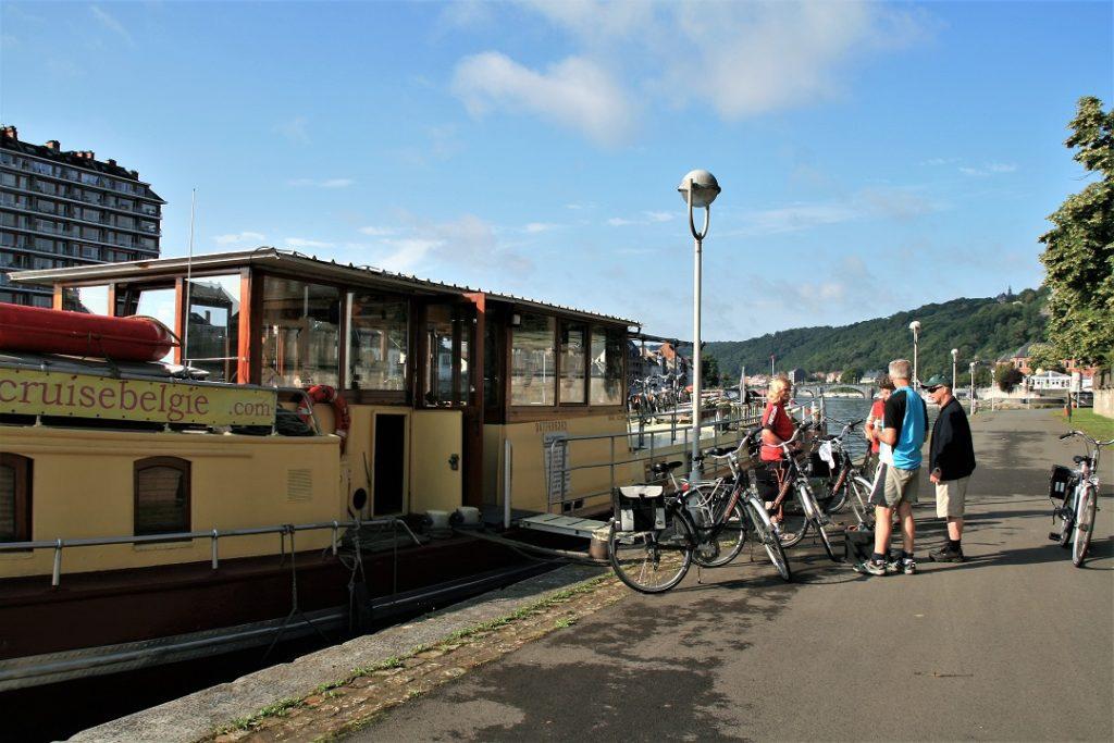 fietsen en varen in Namur