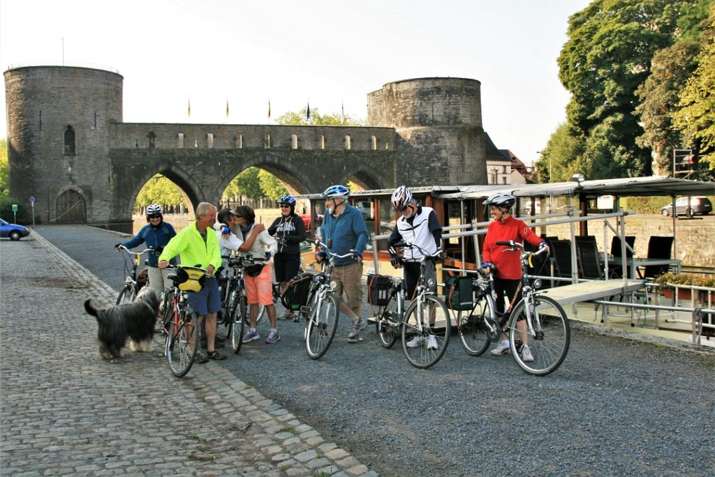 Bikers depart from Tournai